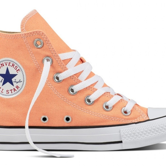Hi top cuck Taylor converse in sunset glow NWT
